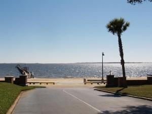 Gulf Oaks Condos Driveway View